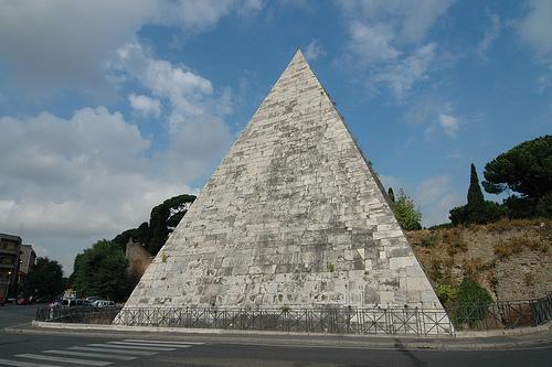 piramide-cestia-roma